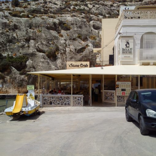 3 restaurants front Xlendi