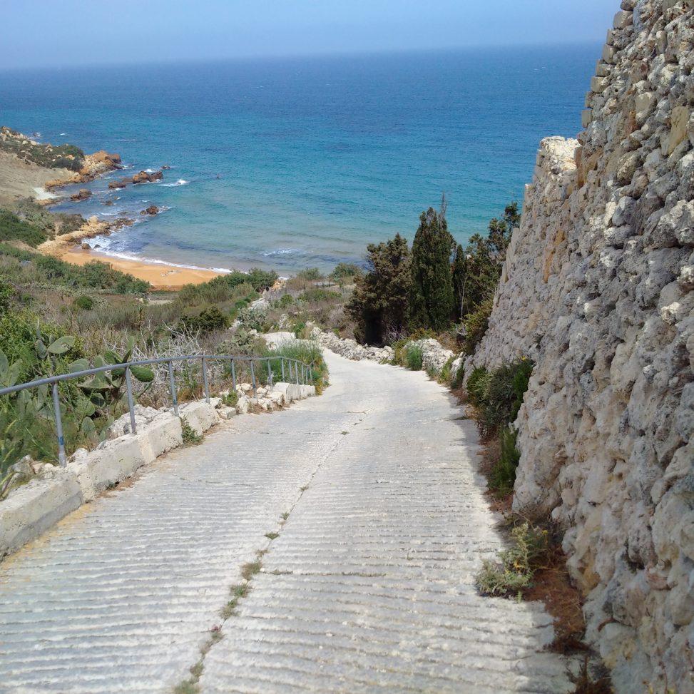 San Blas road