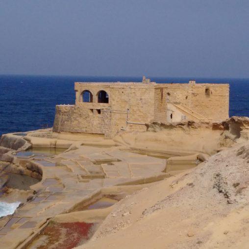 Il-Qolla l-Bajda Battery